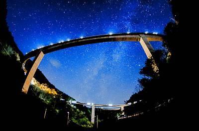 巨大!滝沢ダムと秩父ループ橋
