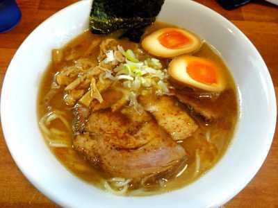 埼玉県のラーメンランキング⑨注文を受けてから麺をカット「自家製麺 ラーメン慶」