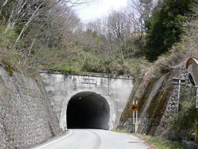 山梨の心霊スポット②トンネル内に石仏が…旧割石トンネル