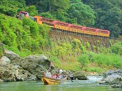 京都のデートスポット④トロッコ列車〜自然の中を走るレトロな列車〜