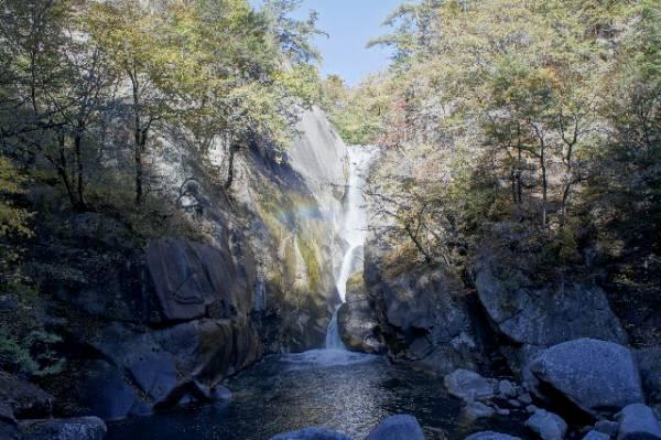 山梨県パワースポット⑥世界最大の水晶がある!仙娥滝(せんがたき)