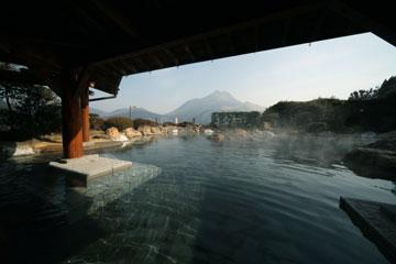 大分県の温泉ランキング⑧山のホテル 夢想園~100畳の大露天風呂~