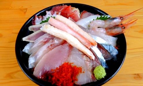 鳥取名物&グルメ10. 鳥取で獲れた魚介類がたくさん!海鮮丼