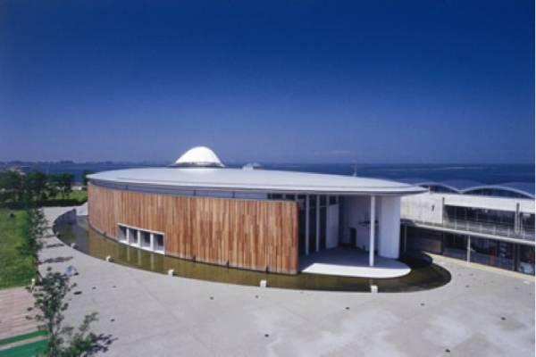 富山県デートスポット⑩富山にしかない!『ほたるいかミュージアム』
