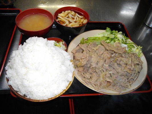 埼玉県のデカ盛り③古都「焼肉定食」:女将さんの優しさが鬼畜