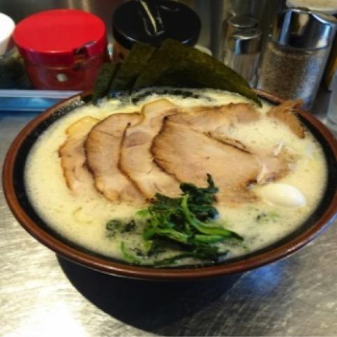 和歌山おすすめラーメンランキング⑤関西でも珍しい家系ラーメンが食べられるお店 「丸花」2