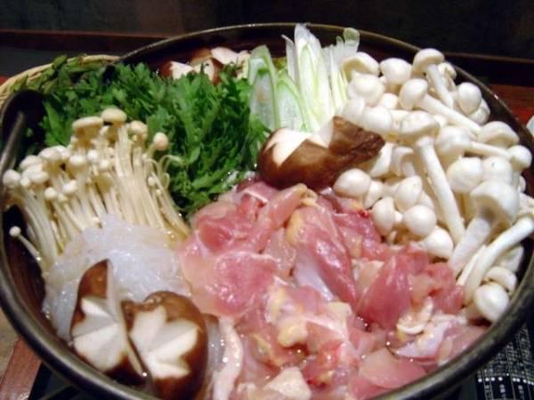 青森県名物グルメ①鶏のダシここに極まる「青森シャモロック鍋」
