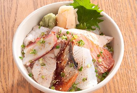 """金沢海鮮丼ランキング⑦海鮮丼を炙りネタ!市の蔵の""""海鮮炙り丼"""""""