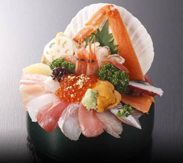 金沢海鮮丼ランキング①一日のスタートを海鮮丼で!-山さん寿司の海鮮-