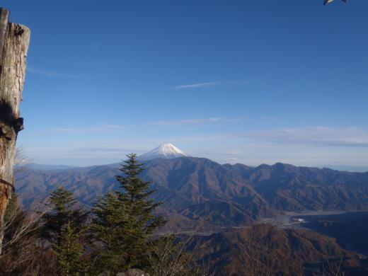富士山絶景撮影ポイント⑤四方を名山に囲まれた贅沢な展望!富士見山展望台