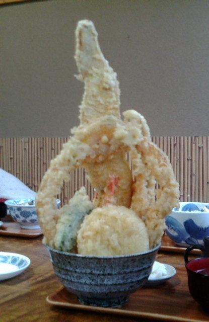 宮城県超大盛りデカ盛りグルメ②そそり立つ天丼!大漁