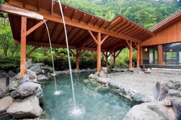 山梨県日帰り温泉ランキング⑧情緒あふれる露天風呂!のめこい湯