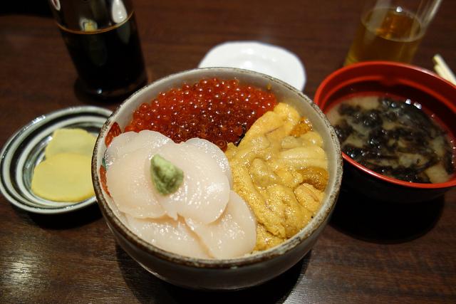 函館ベイエリアグルメランキング⑨函館で海鮮丼を食べるならやっぱりココ!元祖巴丼の「きくよ食堂」