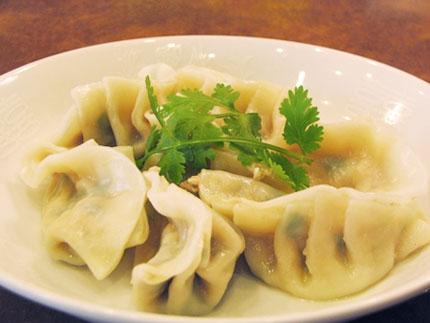 """神戸餃子ランキング⑧もちもちつるんの水餃子""""上海料理天竺園"""""""