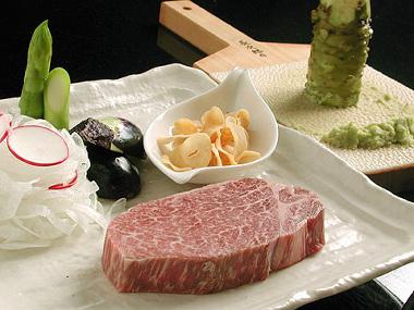 神戸牛ステーキランキング⑩お得なランチも魅力の大人の隠れ家「鉄板ダイニング 法貴 」