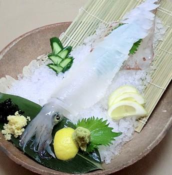 逗子海鮮料理ランキング⑥水槽から揚げたイカをその場で「舵屋」