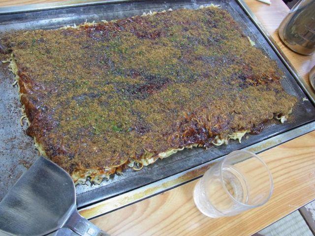 熊本県名物グルメ⑨デカすぎるお好み焼き!新みつやの「高専ダゴ」
