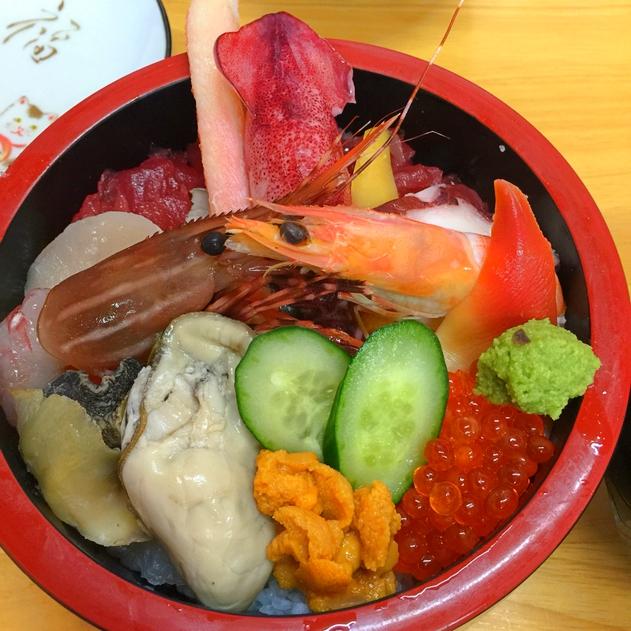 塩釜牡蠣料理ランキング⑧市場近くで海鮮丼!食事処 伸光