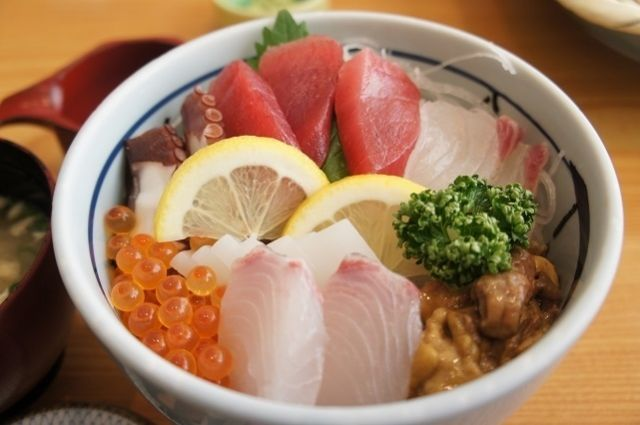 天草海鮮丼ランキング①味良し、雰囲気良し、眺め良し、三拍子揃った「海鮮家 福伸」