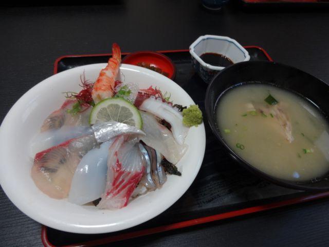 天草海鮮丼ランキング⑤いけすを眺めながら「いけすやまもと」