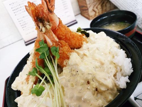 岡山のデカ盛り⑨秘密のケンミンSHOWでも紹介された「梶屋」のエビ丼
