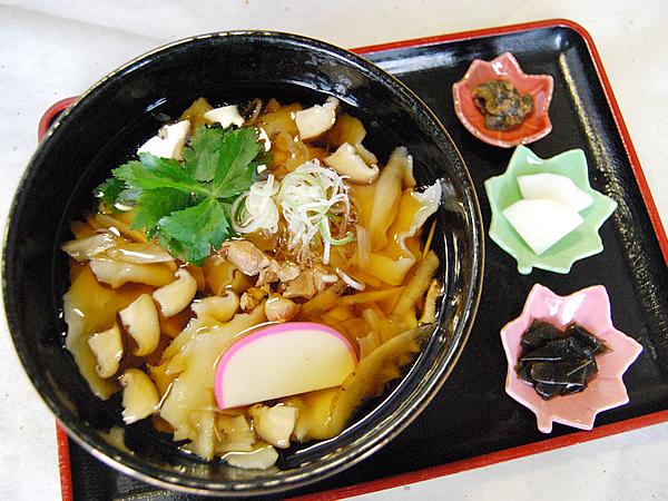 岩手県のひっつみランキング⑦宮澤賢治の故郷で郷土料理を堪能する「金婚亭」