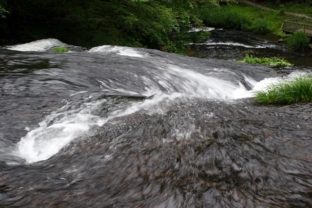 岩手県花巻のパワースポットランキング④横幅の広い珍しい滝「釜淵の滝」