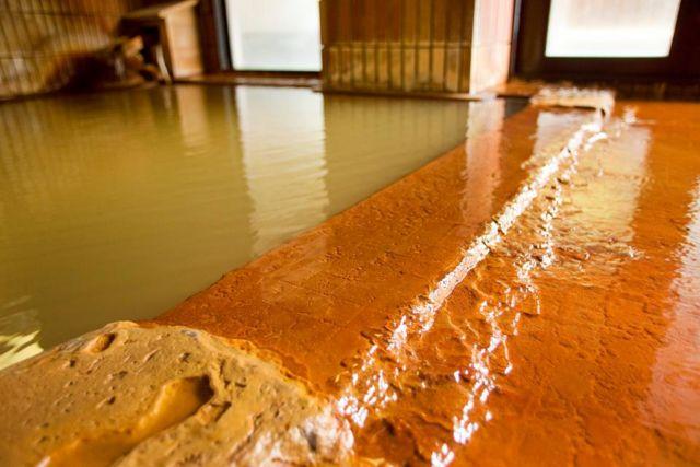 岩手県八幡平の日帰り温泉ランキング⑨若返りの湯で有名な「金の湯」と「銀の湯」が人気「新安比温泉 清流閣」